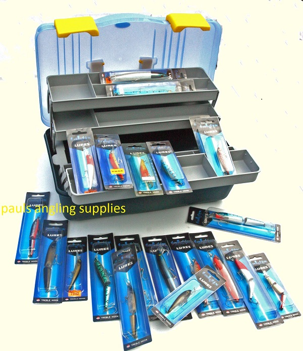 Fishing cantilever tackle box 20 assorted pike bass for Bass fishing tackle box